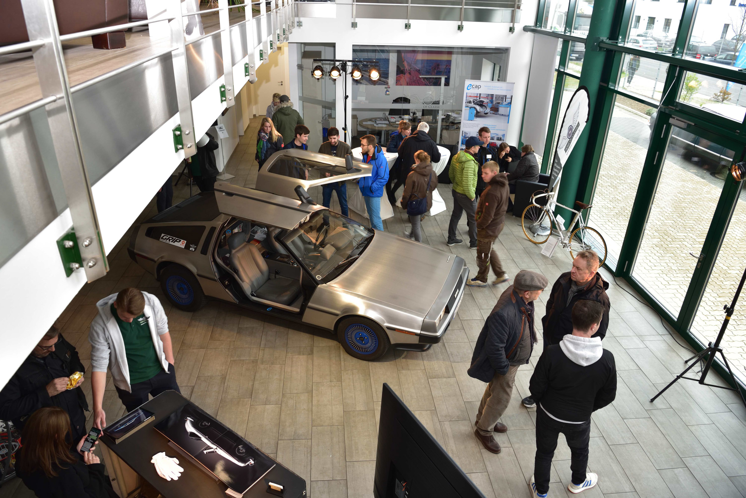 """""""Sunk into conversations: Customers and eCap employees discuss e-mobility"""""""
