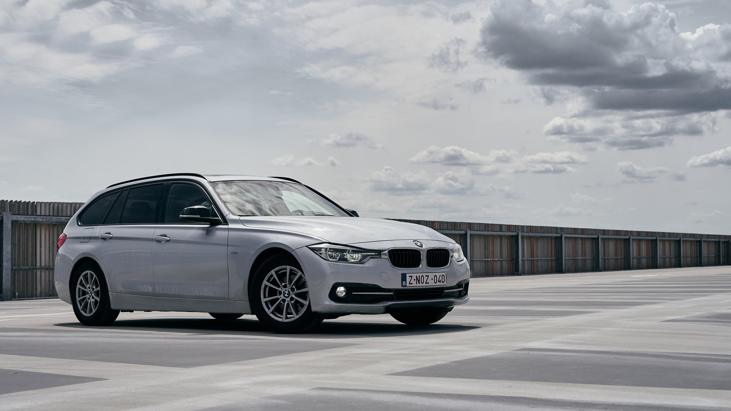 BMW_Schuin.jpg