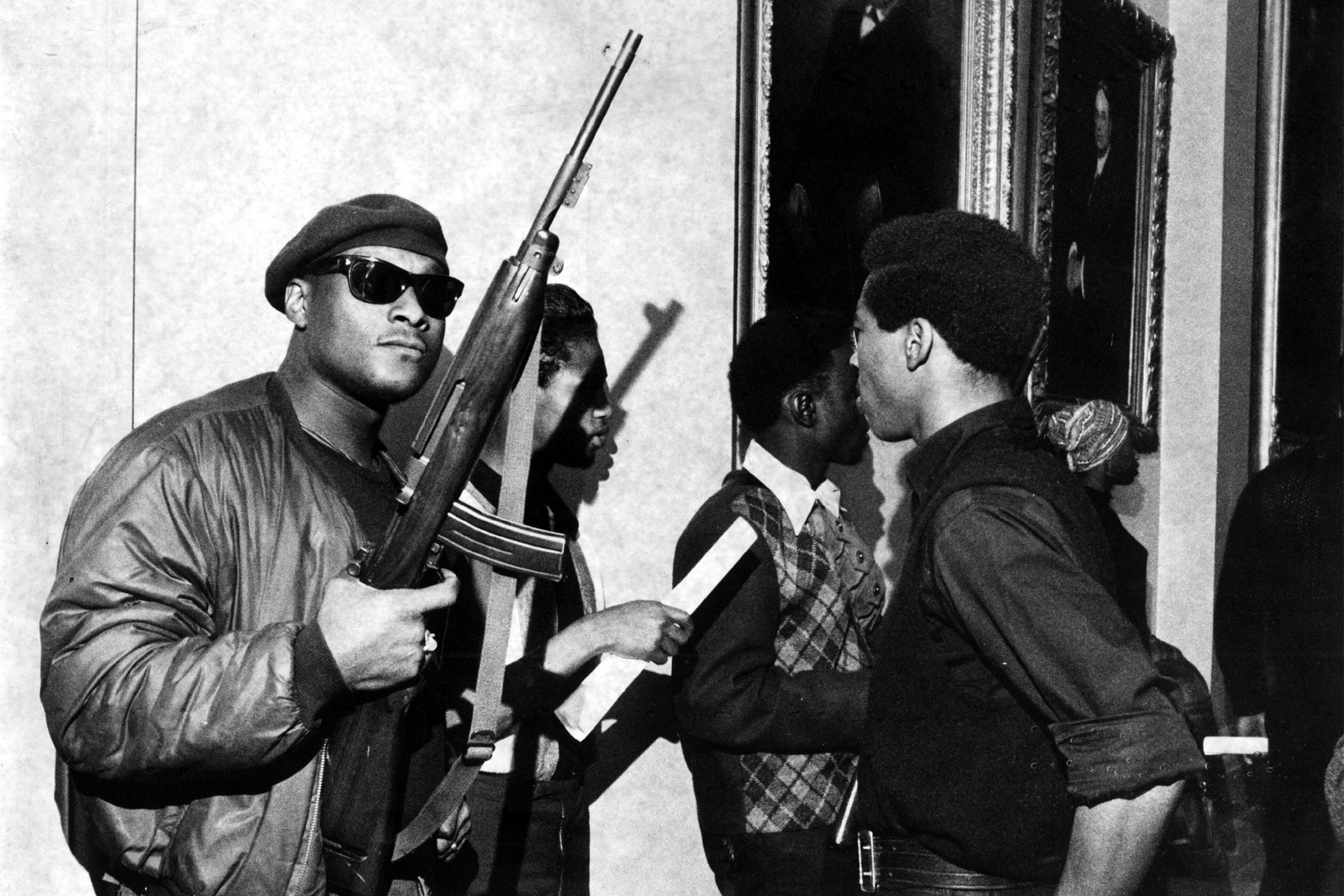 Dec. 12, 2006 - Sacramento, CALIFORNIA - Black panthers storm the California Capitol with guns in Sacramento May 2nd, 1967...SAMCC SBPM 840 (Credit Image: a© Samcc/Sacramento Bee/ZUMAPRESS.com)
