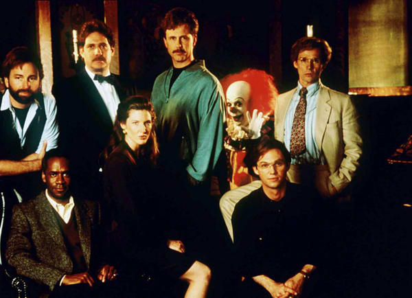 the-cast-of-the-it-movie-1990-with-tim-curry-as-it-image-fangoria-via-mask-of-reason