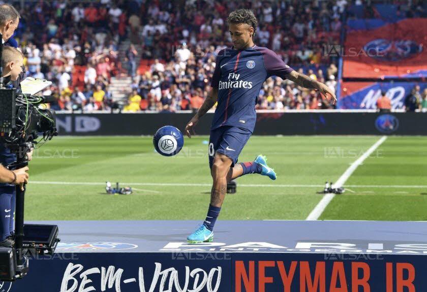 Présentation Neymar Parc des Princes