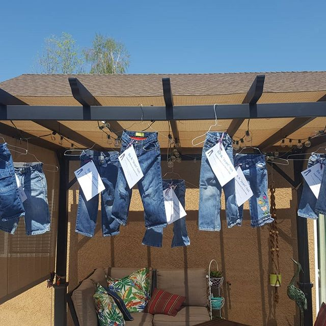 Getting ready for Sexual Assault Awareness Month. Preparing for denim day, April 25th. Launching a full month of denim hanging in your business. Monies raised will we donated to  Coachella Valley Sexual Assault Services. Please participate by contacting me to receive a pair of Jeans to fill.  Be a Jean-ius, support Denim Day 2018 Please share post! #denimday#billspizzapalmsprings #billspizzapalmdesert #coachellavalleysexualassaultservices #artofdesign #sexualassault #sexualassaultmonth #palmdesertchamber #palmdesertbusiness #biancarae #dressbirdbrain #wyldwomx #coachellamagazine #palmspringslife #jeans