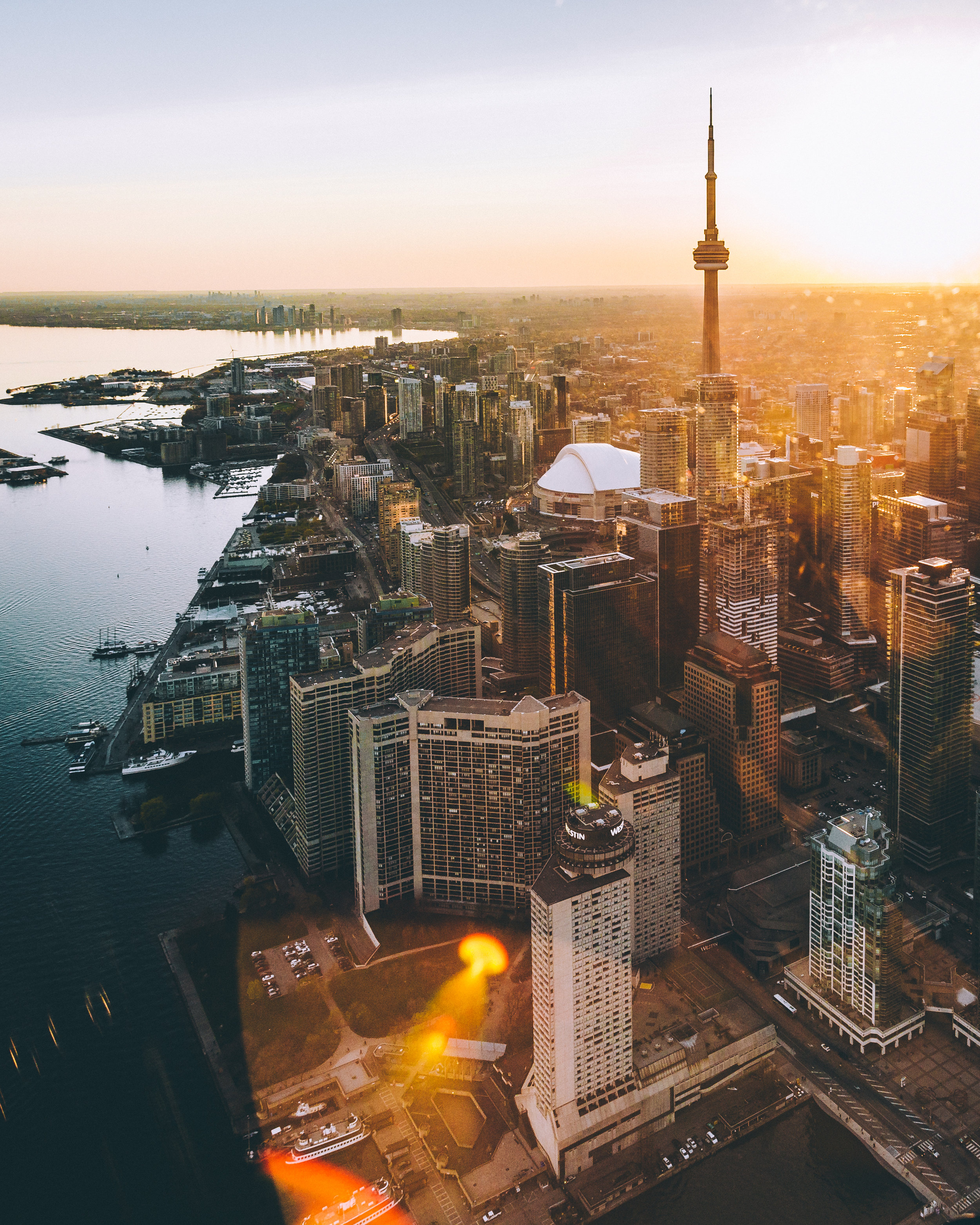 Ontario - Ontario is one of the provinces in Eastern Canada and is the second-largest province. Ontario's capital city is Toronto with a population of 2.9 million. Toronto has a large financial district and the stock exchange. Ottawa, the capital of Canada, is in southern Ontario. Ontario overall has a population of more than 14 million people (2018).Ontario has a continental climate with hot summers and cold winters when the temperature ranges between 36-14 degrees F (0 and -10 degrees C). Fortunately the major cities cater for the cold with indoor shopping centres and sports venues.Canada is the leading producer of fruit and vegetables and has many vineyards and wineries. Ontario is the main producer of nickel, cobalt, salt and magnesium in Canada.
