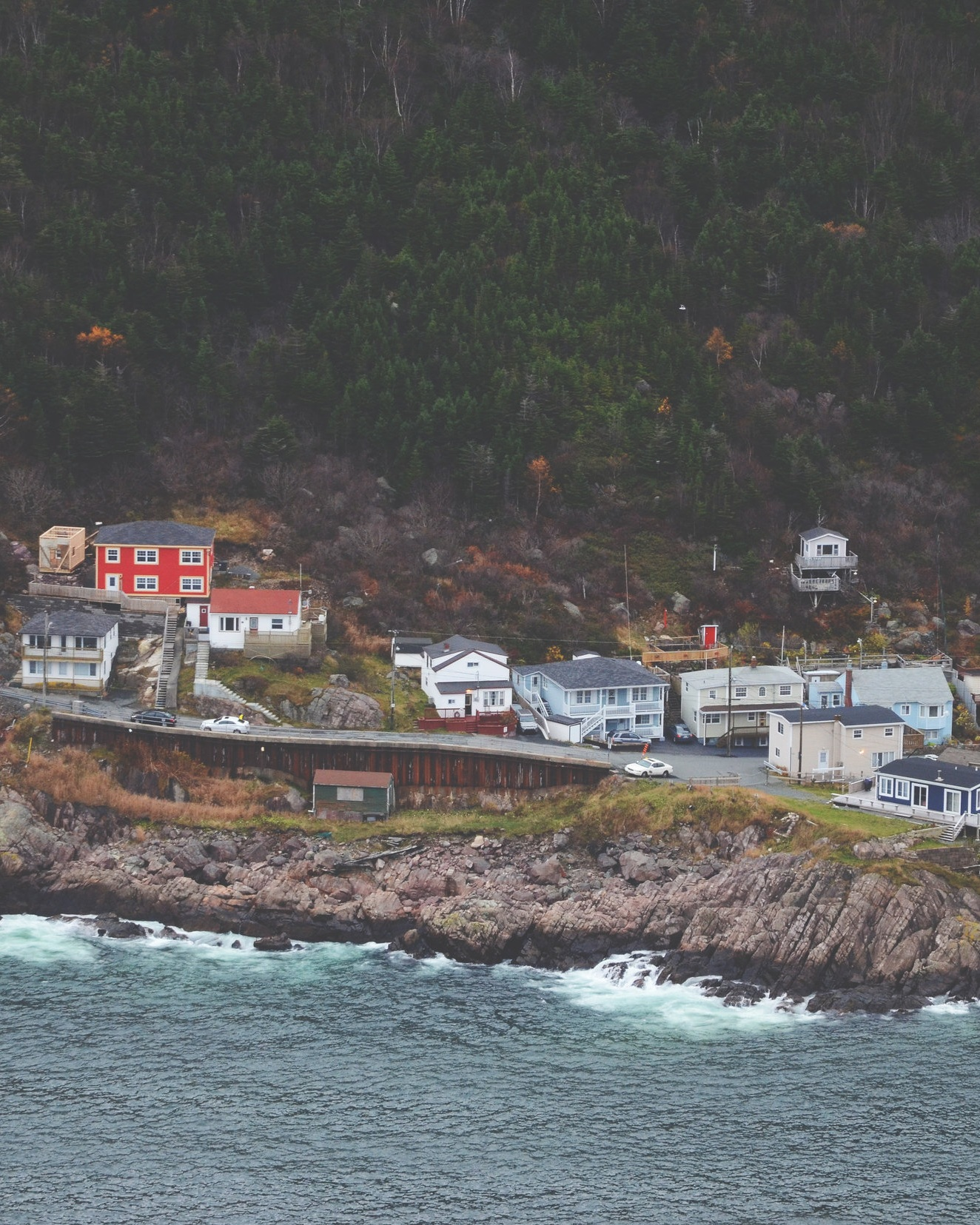 Newfoundland & Labrador - Newfoundland is one of the four Atlantic Provinces and is the most easterly province, made up of the island of Newfoundland and Labrador on the mainland. The mainland is larger than the island and is bordered by Quebec. About 525,300 people lived in Nfld/Labrador in 2018. People live in small fishing villages near the coast. Main exports are oil, fish products, newsprint, iron ore and electricity.