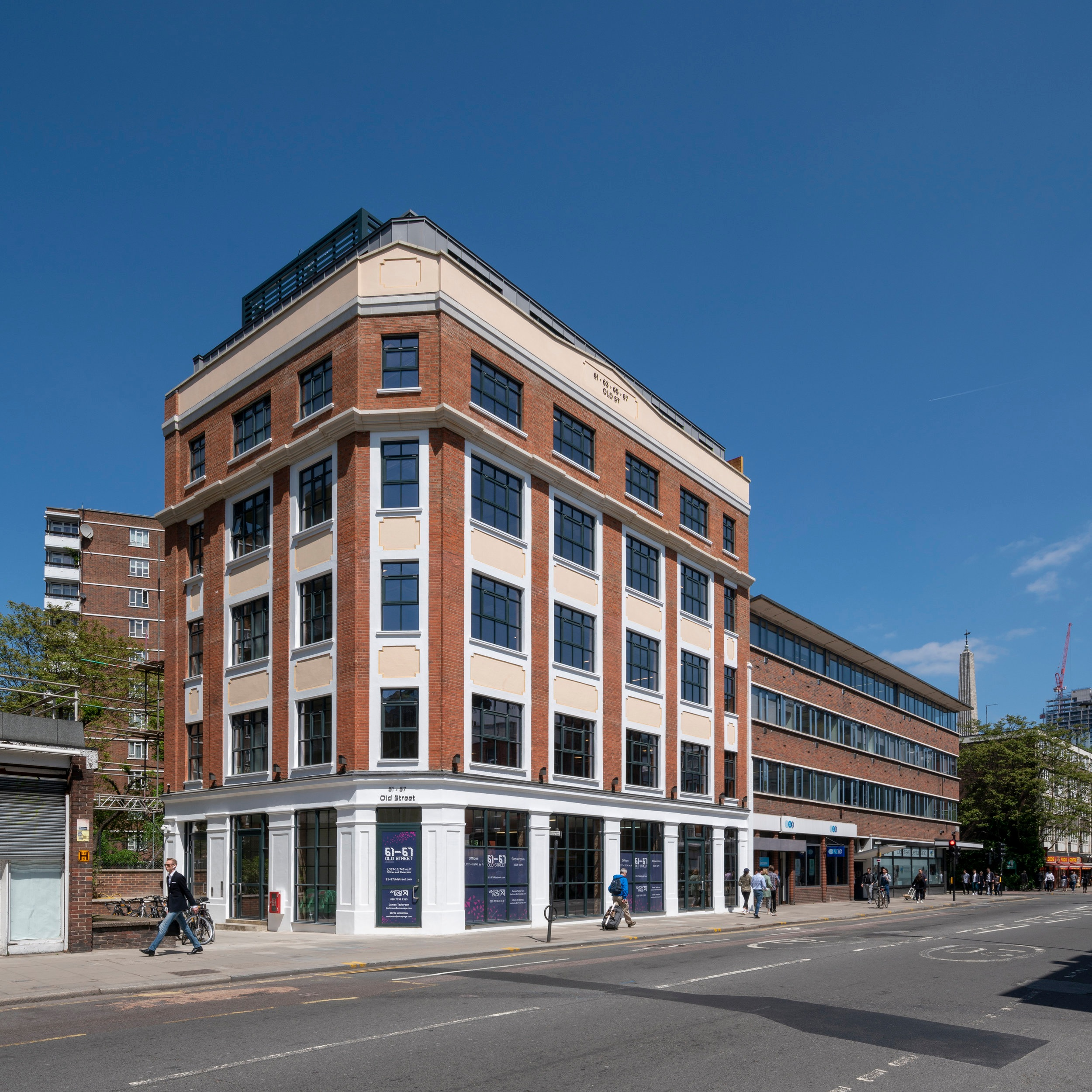 Old St, CLERKENWELL - Acquired in late 2015, this office and showroom building on Old St was purchased in a near derelict condition. Atlas reworked an existing planning consent and secured consent for two new floors of office space, including a full rear infill. The comprehensive redevelopment was completed in June 2018, significantly increasing the internal floor space of the property.