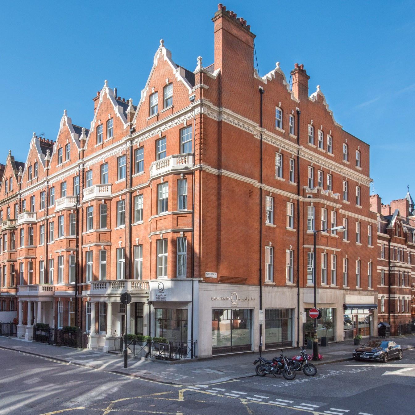 park st, mayfair - Purchased on behalf of clients, this Mayfair corner building is held on a long lease from Grosvenor.Atlas secured a planning and freeholder consent to carry out a comprehensive refurbishment, and negotiated vacant possession in order to carry out the development.The building was completely gutted and rebuilt to provide high-specification offices with a manned reception.Its location and the quality of the refurbishment mean it has proven very popular with office occupiers.