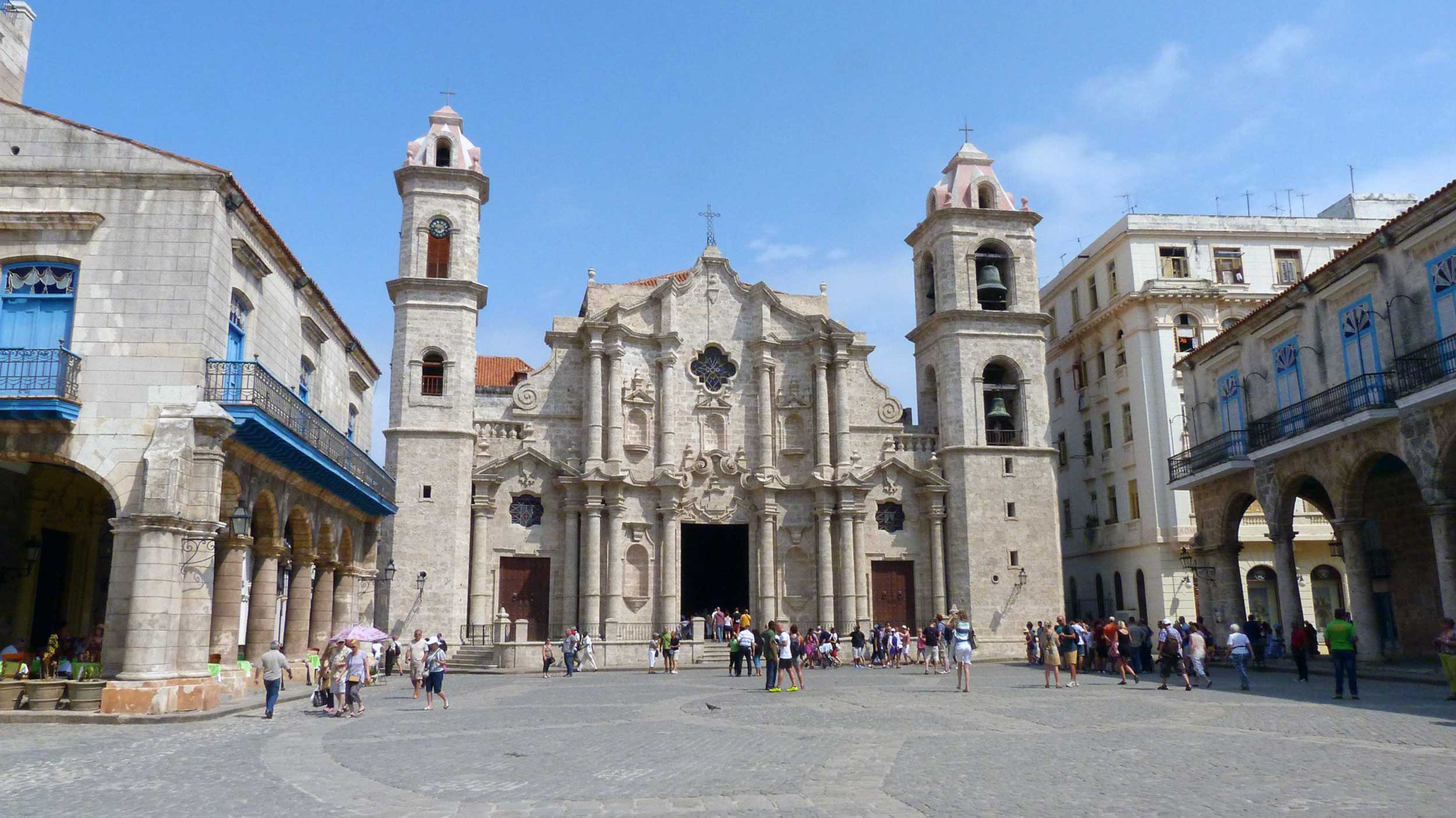 Cuba-plaza.jpg