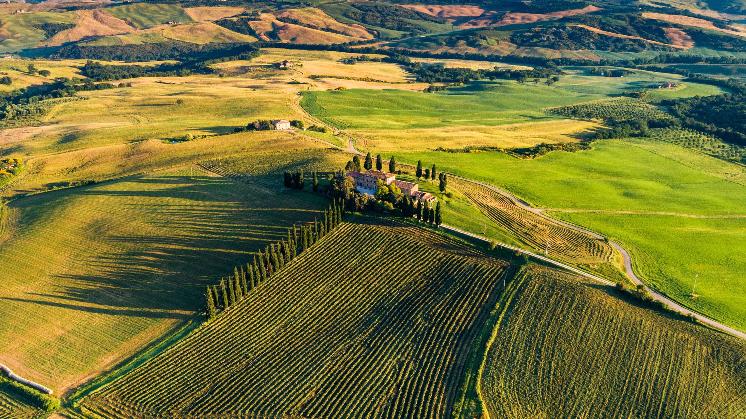 Italy-Tuscany-Villa.jpg