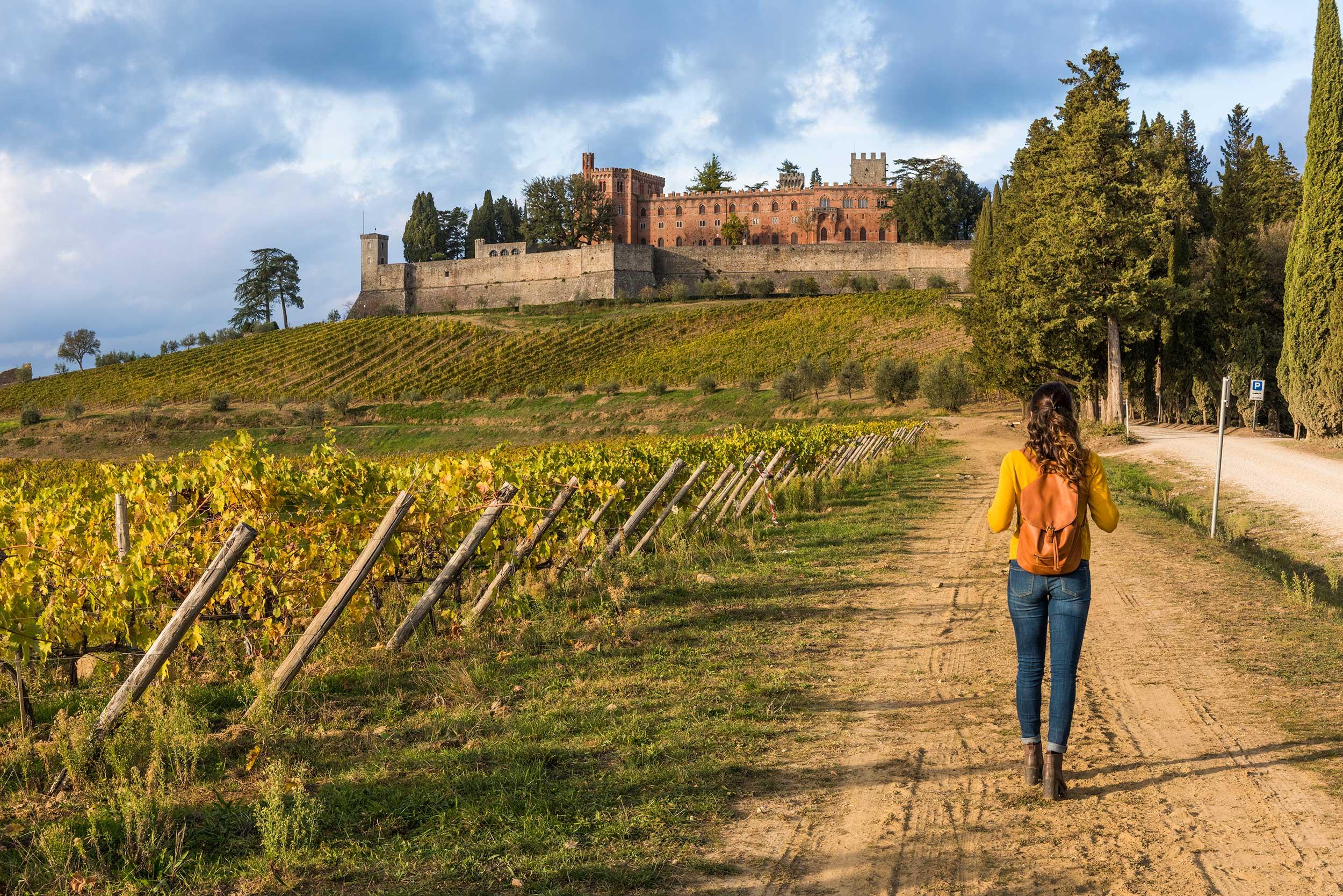 Italy-Tuscany-woman.jpg