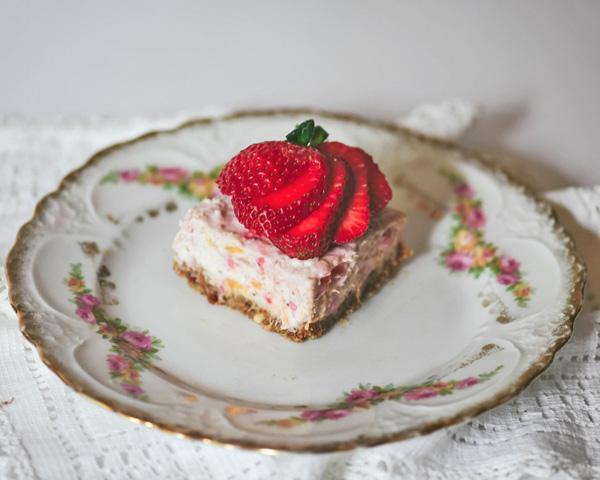 strawberries&mangopieslices.jpg