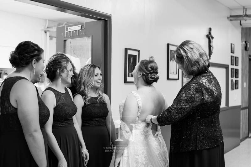Bride Getting Ready   © Noel Photography and Design