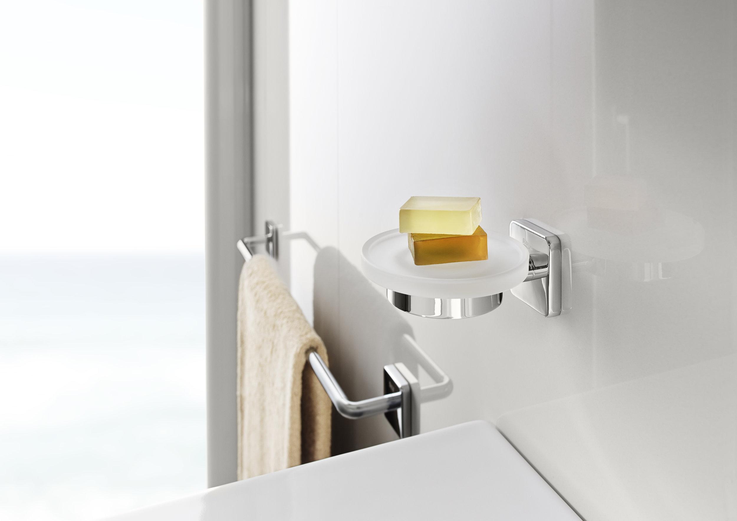 816683001 Soap dish and 816656001 towel rail.jpg