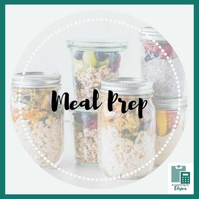 Sometimes it feels like meal prep can be a chore! But, when I have meals all set and ready to go for the upcoming week I start to notice that my level of efficiency goes up during the day. In the mornings I find that I'm not worrying about what meals I'm going to be eating throughout the day, all I have to do is grab and go. ⁣ 🥗🥙🥪🙏⁣ Now that I work mostly from home this helps speed up my day significantly. I am honestly doing more things now than I was when I had a 9 to 5. #mindblown⁣ 🤯🤯🤯🤯⁣ If you want to hear more about my experience with meal prep, head over to my blog link in my bio to check out more!
