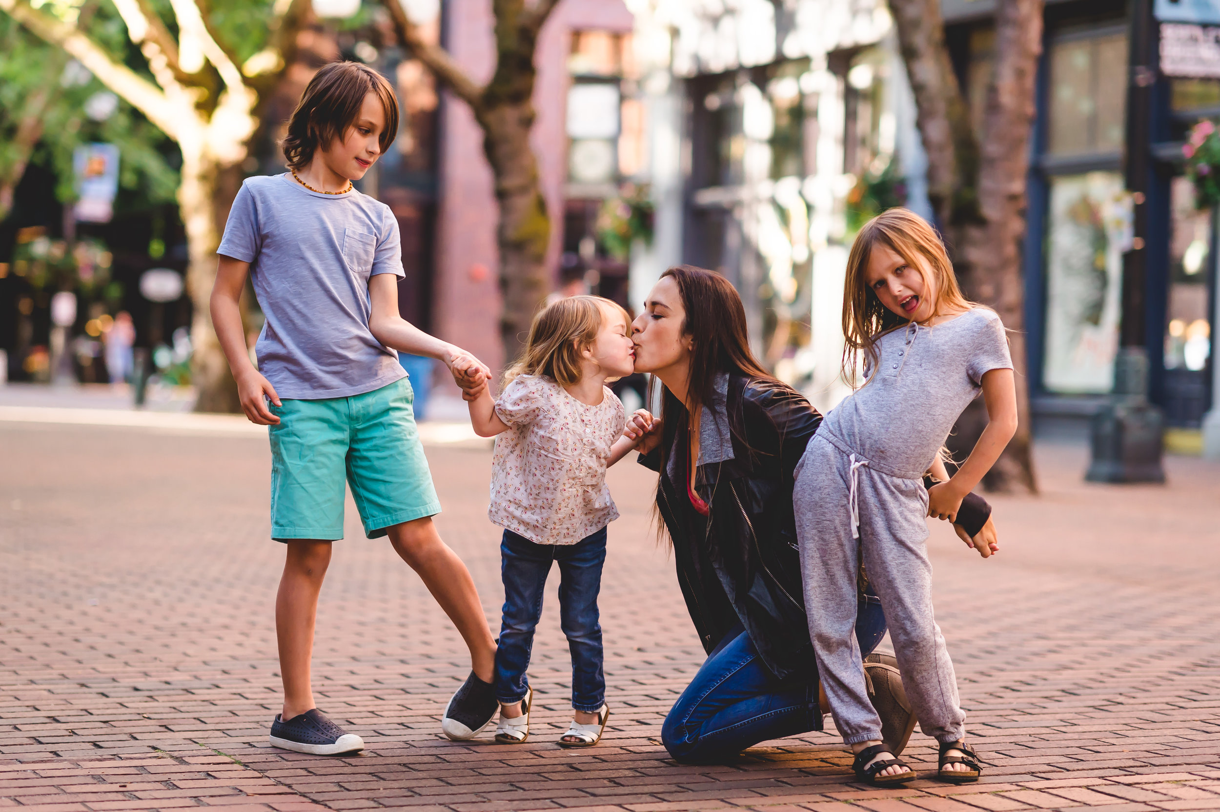 lifestyle family posing that actually works Elena S Blair Education For Photographers