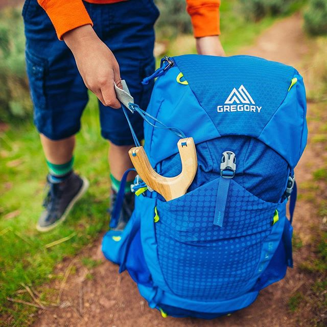 We're excited to announce a new partnership with @gregorypacks! The people at Gregory believe in the importance of playing outdoors (for people of all ages) and are providing packs for participants of Summit Journeys to use on the trail. With enough space for all the necessities and then some, these packs guarantee that everyone is well-equipped and ready to explore and cause some mischeif!  Photo Credit: @gregorypacks
