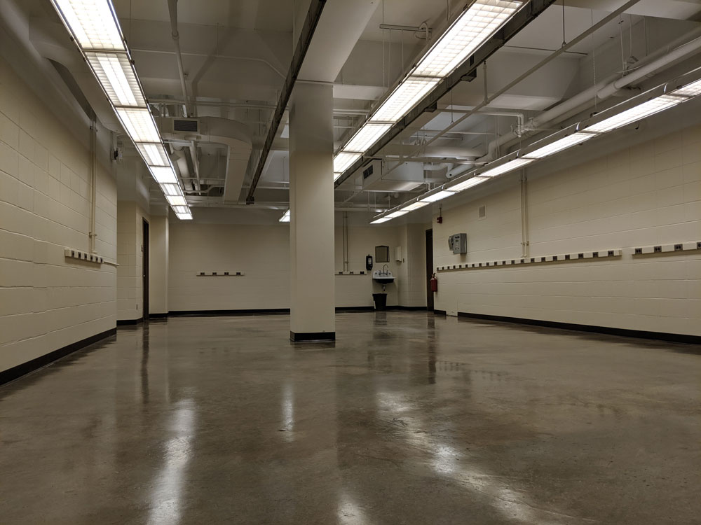 20190521_empty-lab.jpg
