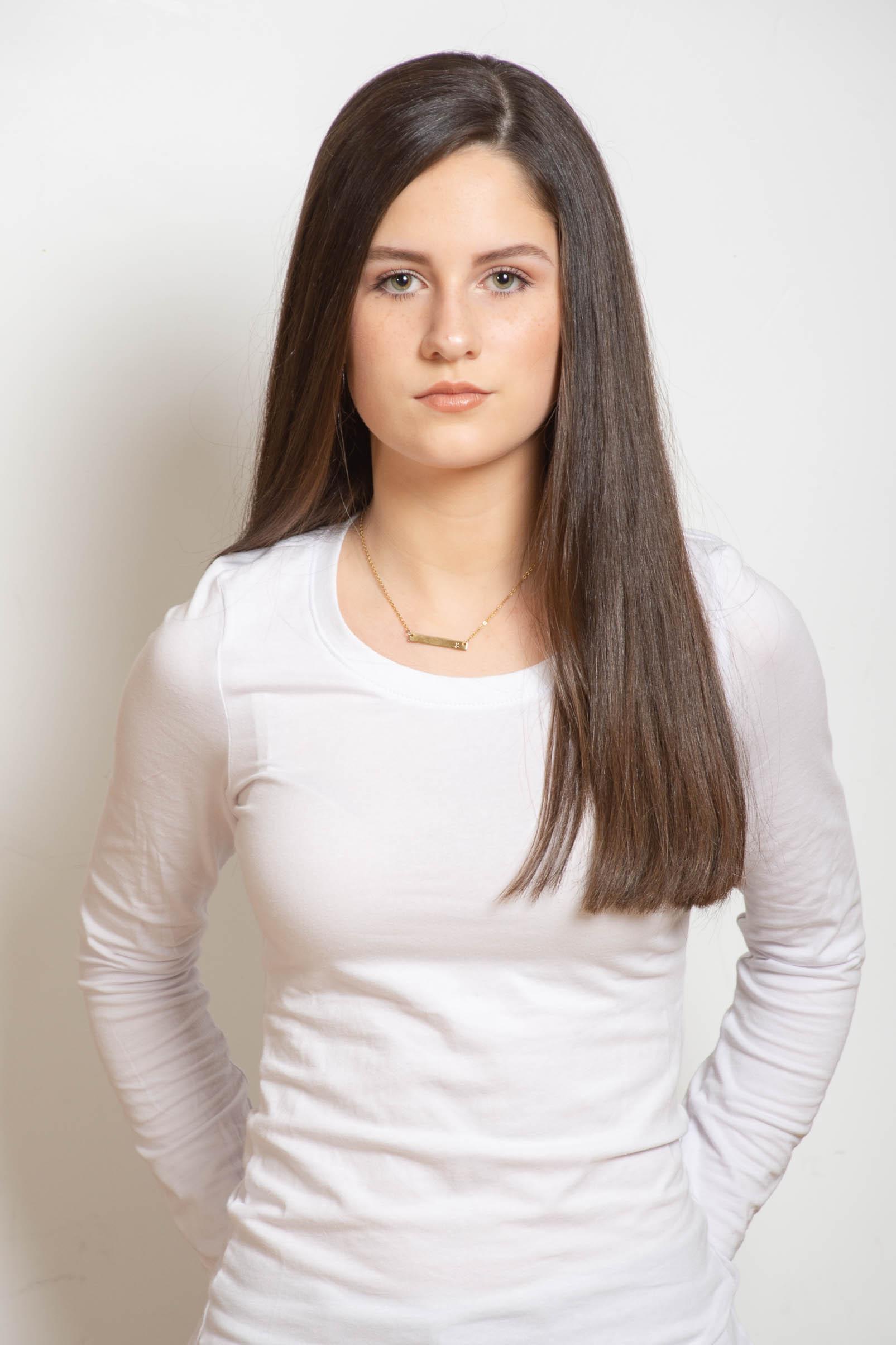 Gracie - Model / Dancer