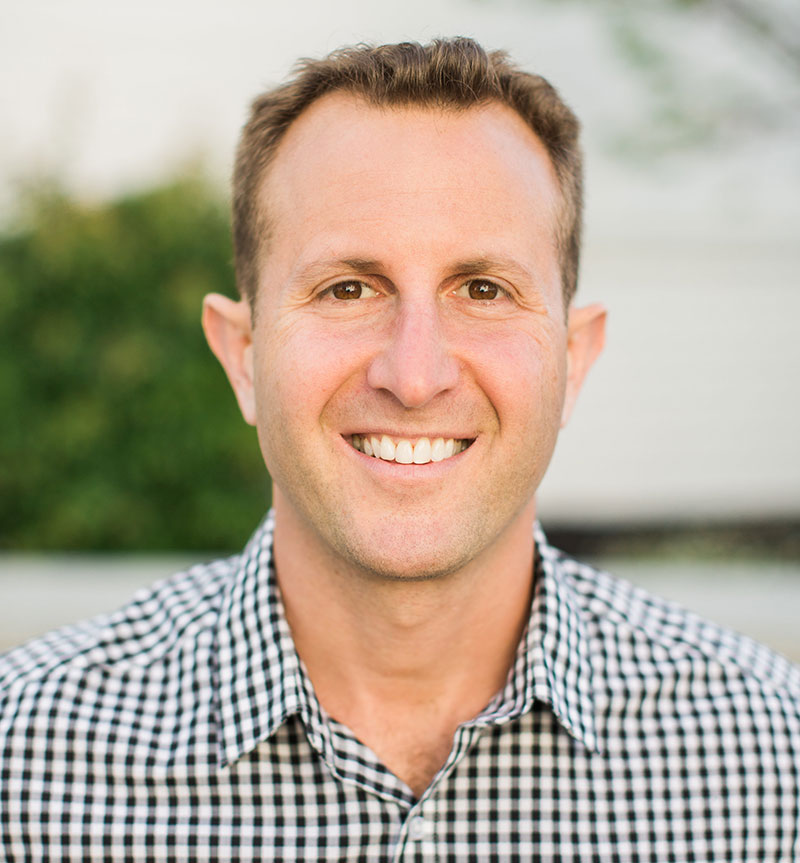 Paul Shapiro, author of the Washington Post bestseller Clean Meat (2018) - When Paul Shapiro took his first bite of clean meat in 2014, more humans had gone into space than had eaten real meat grown outside an animal. In addition to being among the world's first clean meat consumers, Paul is a four-time TEDx speaker, the co-host of the Business for Good Podcast, the CEO of The Better Meat Co., and long-time leader in food sustainability. He's published hundreds of articles in publications ranging from daily newspapers to academic journals. Paul lives in Sacramento, California with his wife Toni Okamoto, author and founder of Plant-Based on a Budget. Clean Meat (2018) is his first book, is a Washington Post bestseller, and has been translated into seven languages. You can read more about Paul's work and contact him at www.paul-shapiro.com.