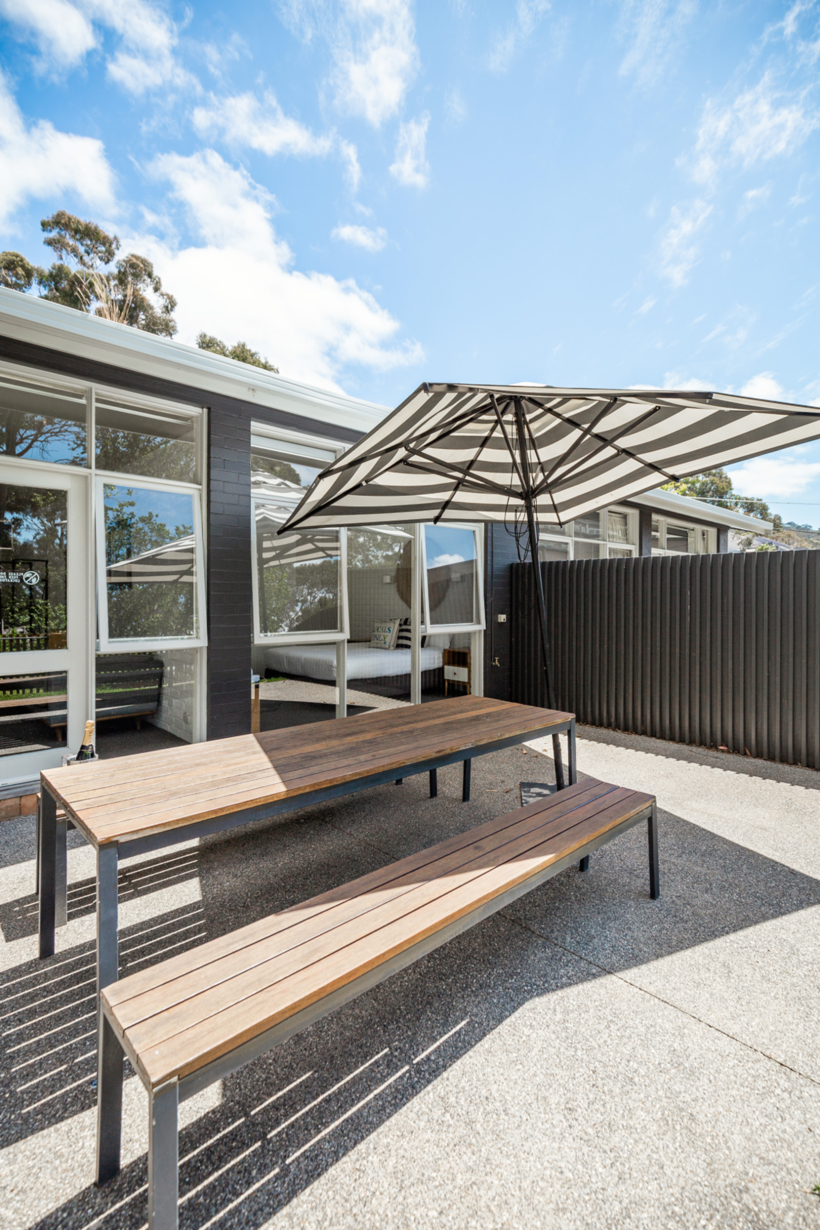 Lorne_hotel_unit_outside.jpg