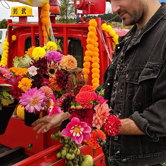 Come to the Greenbank harvest fair happening today for flowers 🥰 local farms need your support more than ever!