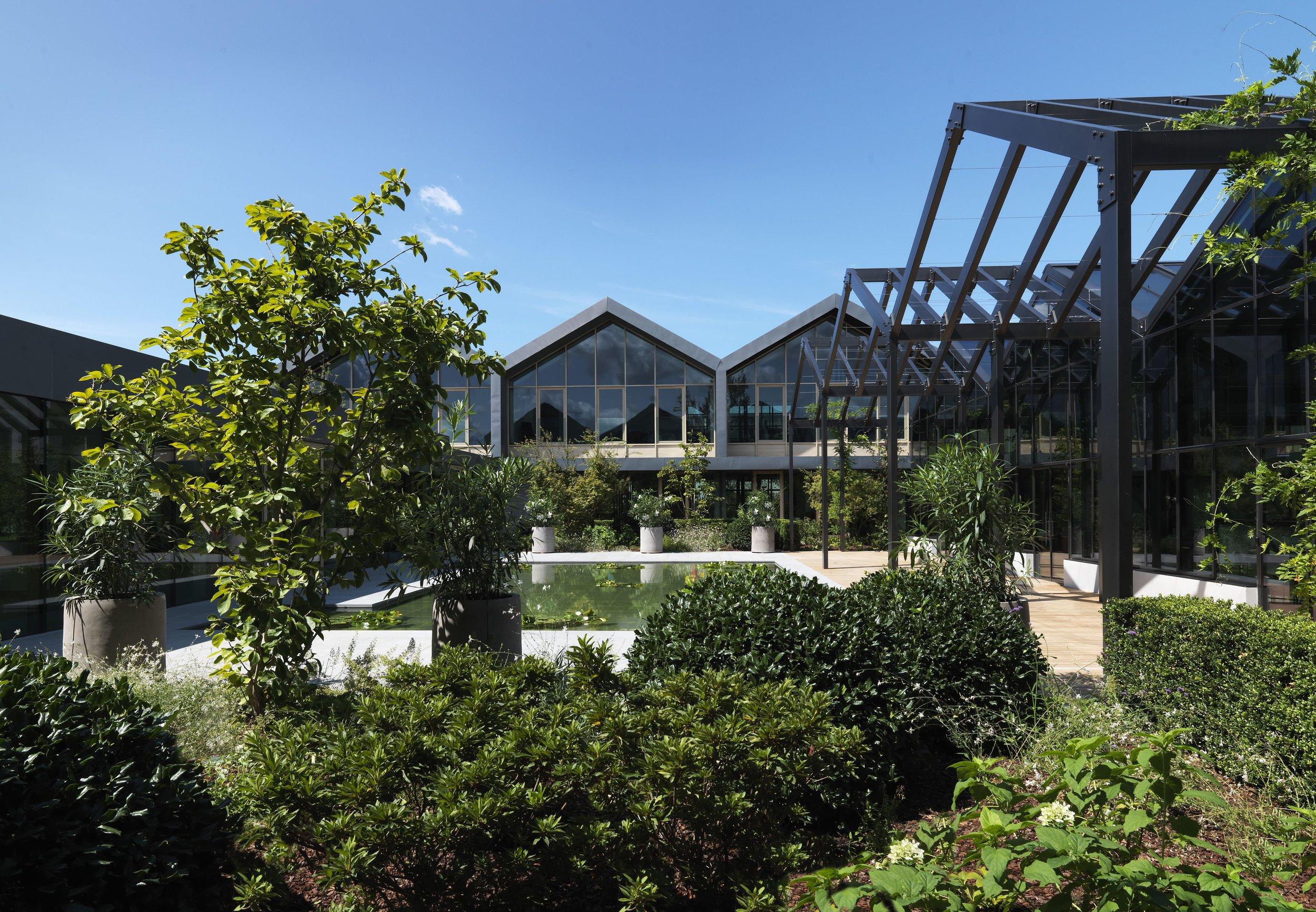 4.Davines Village_External view waterlilies court_3.jpg