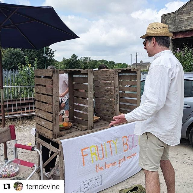 #Repost @ferndevine ・・・ What a blast at the Arty Brum Booty @festivalplayground, with the insanely talented @billjonesillustration enjoying the Fruity Booty. Ahh we're missing the madness and can't wait for more antics in the future! . . #stroudfestival #play #stroud #creativefun @sva__ @sarahphaedrewatson #playisimportant #artybrumbooty