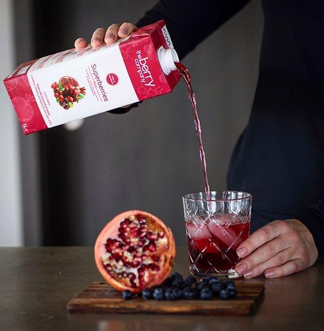 Superberry Red er samsettur af granateplum, aronia berjum og trönuberjum sem eru stútfull af andoxunarefnum ❣️ #einsogveraber #theberrycompany