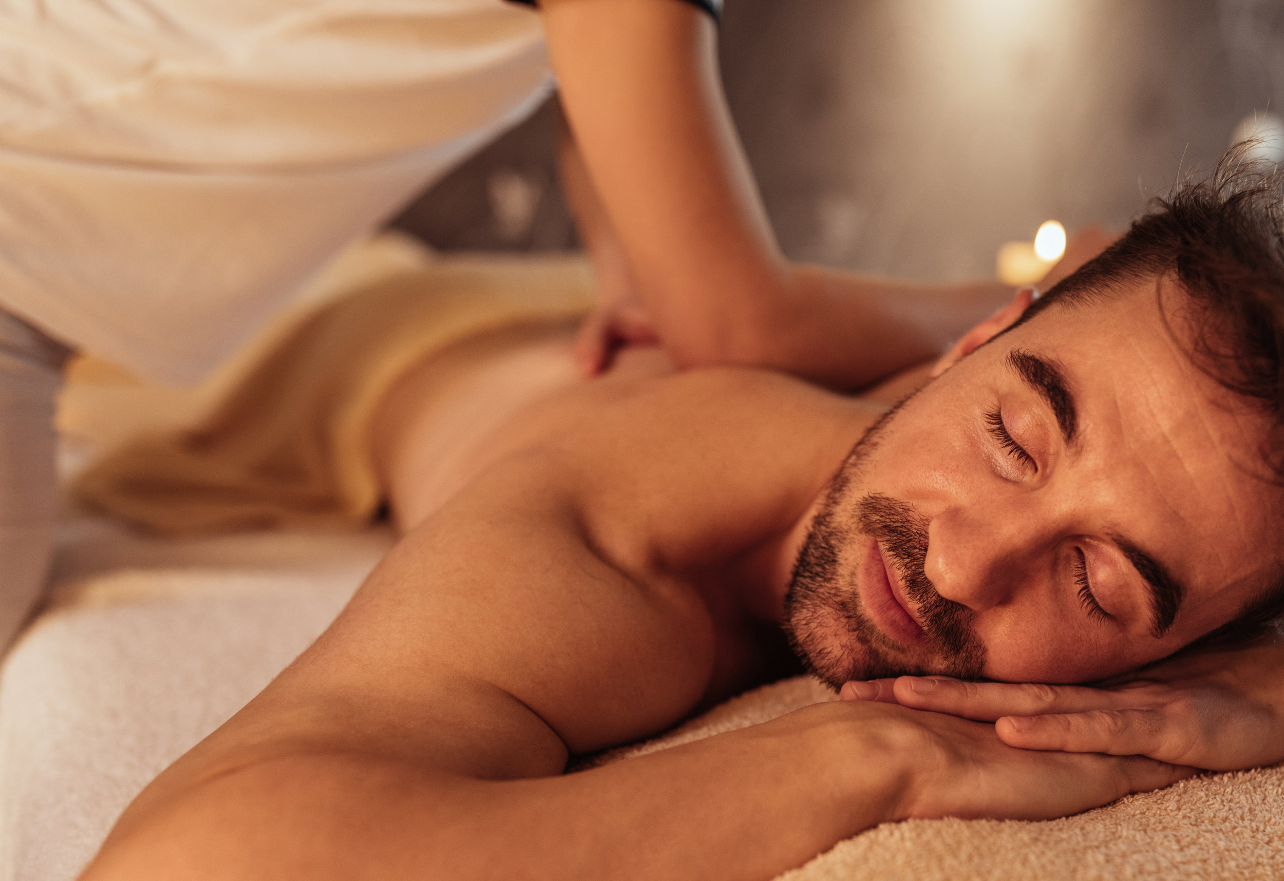 southwind-health-collective-man-receiving-massage