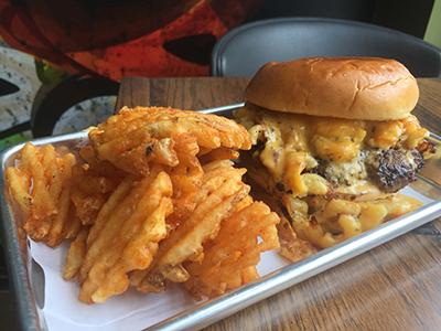 Mac Attack burger-400px.jpg