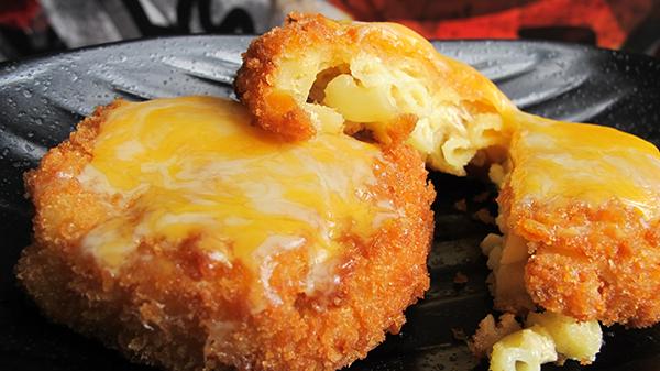 Mac 'n Cheese Fritters -