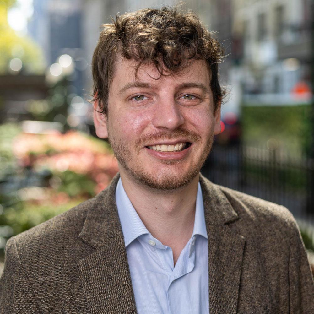 Angus McLinn, Editorial Director
