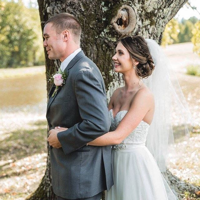 When you see each other for the first time on your special day 😍 * * * #vinooasi #vinooasiwedding #wedding #vineyardwedding #venue #weddingplanning #weddingplanner #farm #bride #groom #bridesmaids #groomsmen #love #specialday #northcarolina #bridetobe #engaged #gettingmarried #ncweddingvenue #ncwedding #eventplanner #eventvenue #weddingphotography #photography #celebrate #weddinginspo #weddinginspiration #weddinggoals