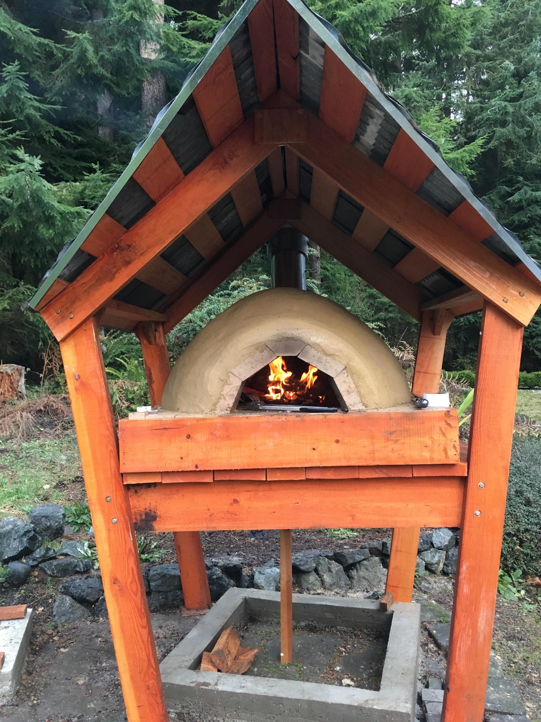Oven with chimney