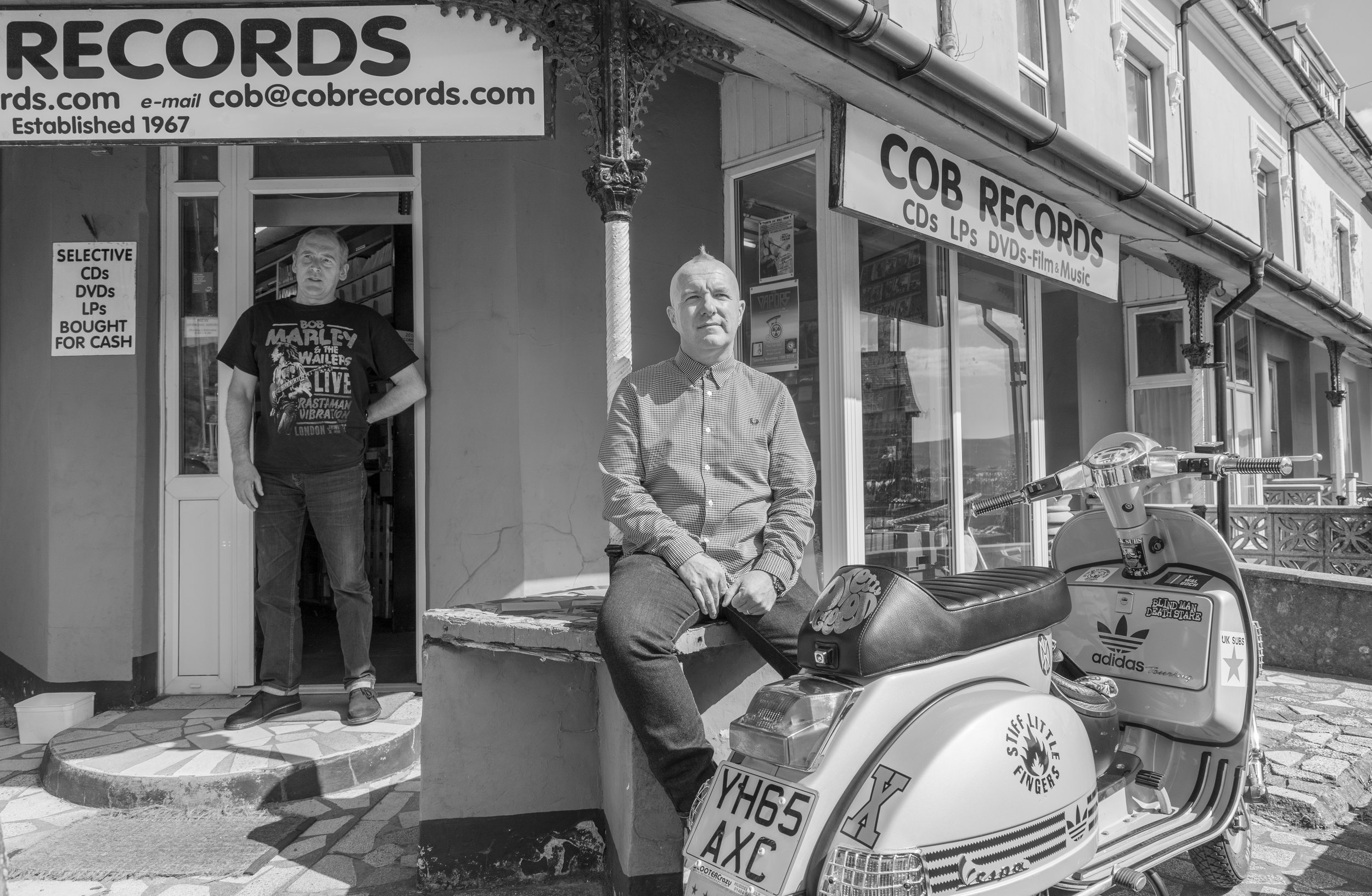 Lewgi Lewis outside Cob Records store in Porthmadog ©Haydn Denman