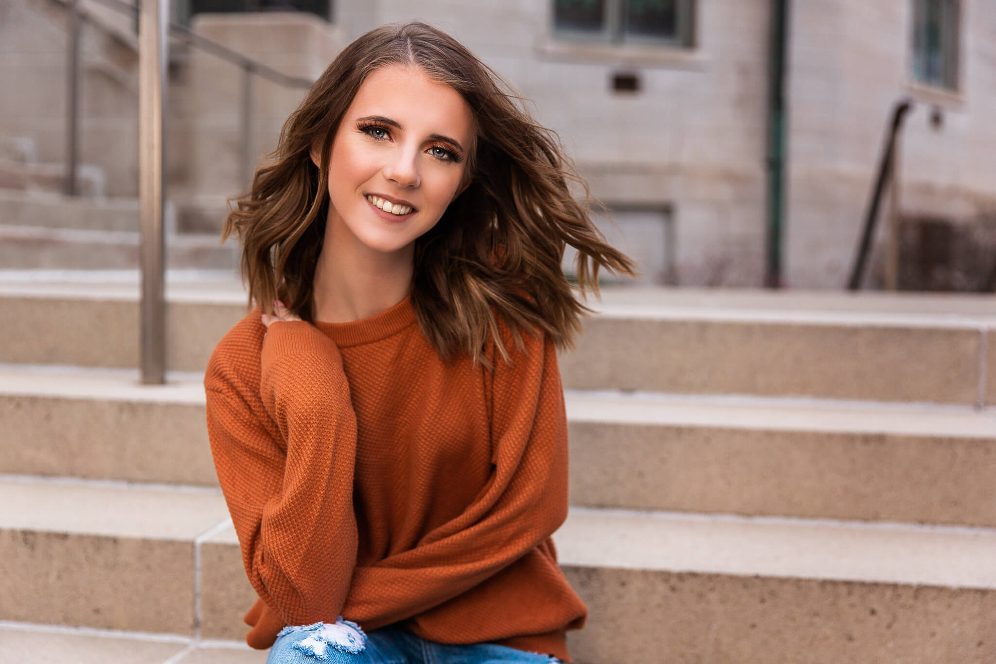 sioux-city-senior-photography-stairs-sweater-short-hair-suing-studios.jpg