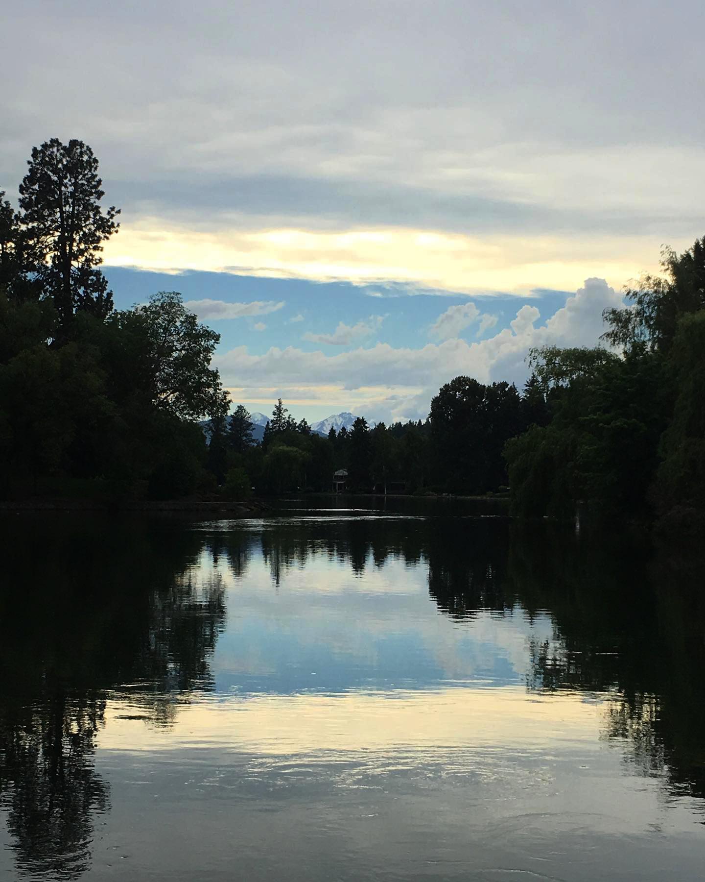 Bend Oregon Farmers Market_Faddis Real Estate