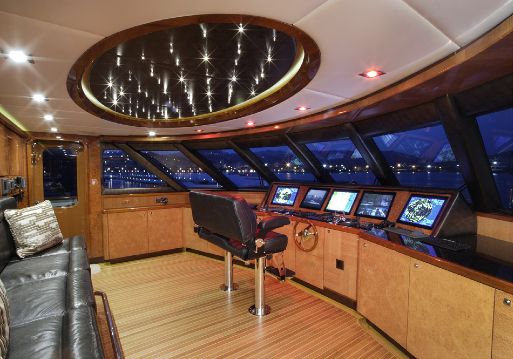Karen-Lynn-Interior-Design-Yacht-Falcon-36.jpg
