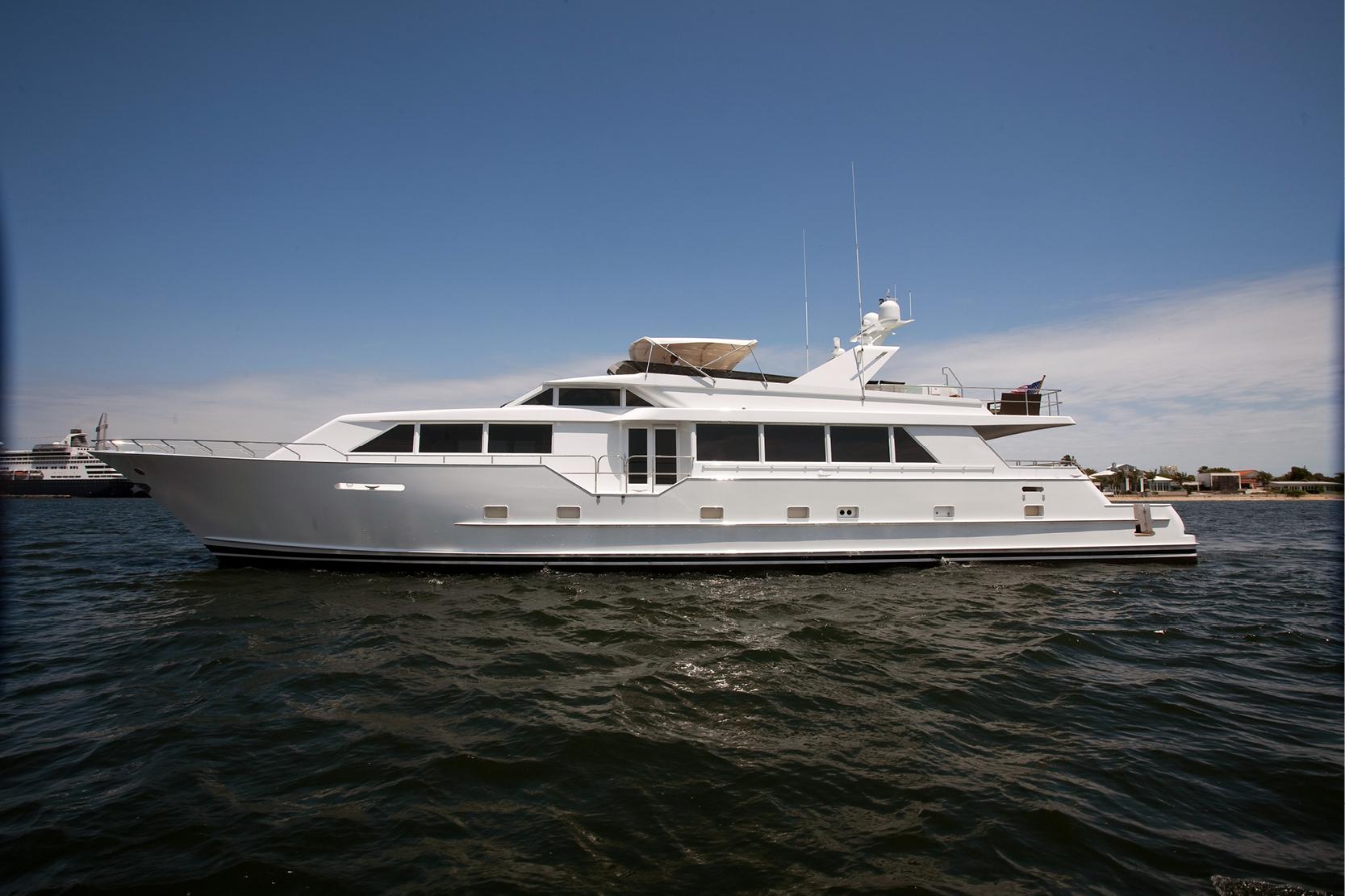 Karen-Lynn-Interior-Design-Yacht-Doubledown_4.jpg