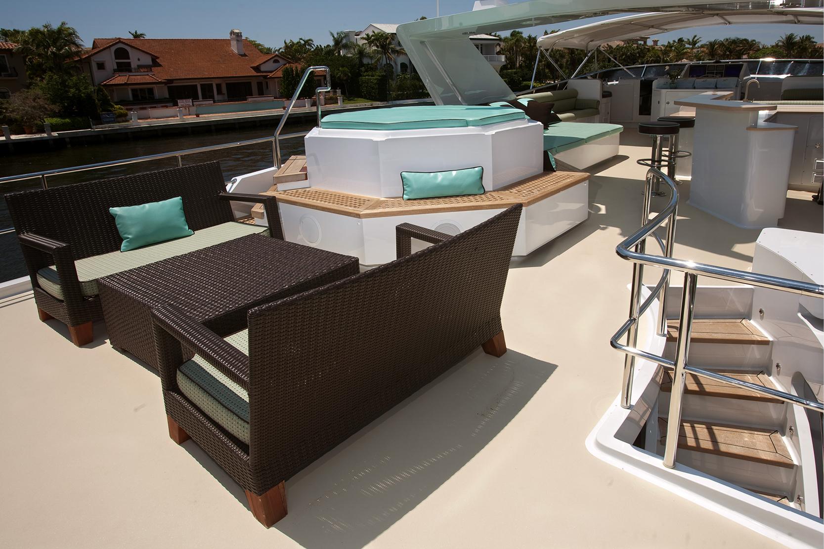Karen-Lynn-Interior-Design-Yacht-Doubledown_10.jpg