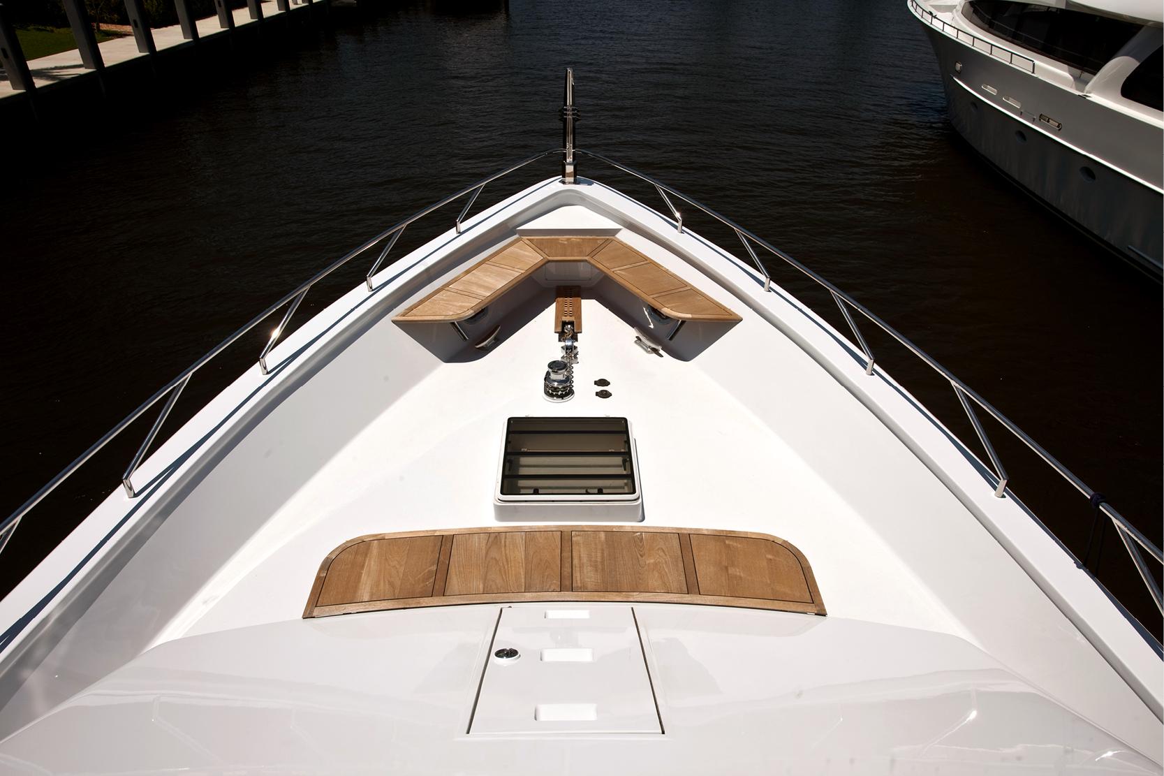 Karen-Lynn-Interior-Design-Yacht-Doubledown_12.jpg
