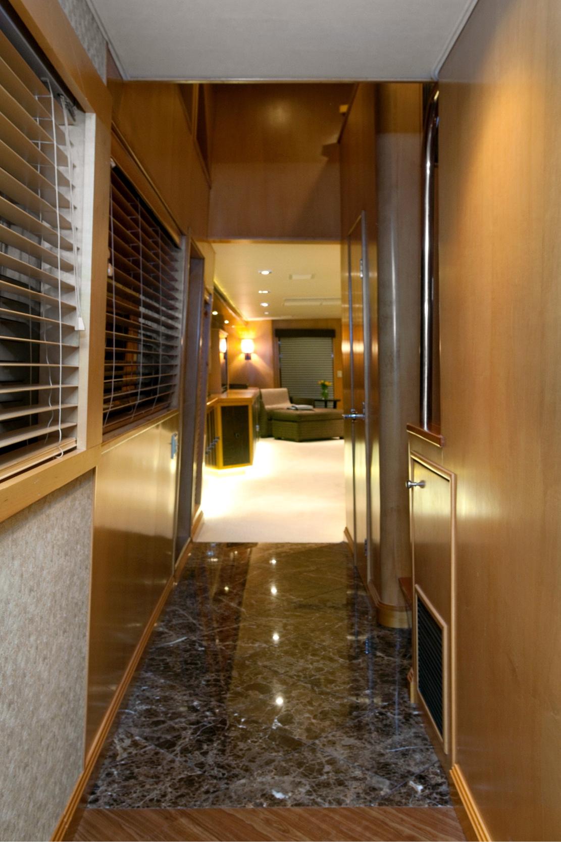 Karen-Lynn-Interior-Design-Yacht-Doubledown_19.jpg