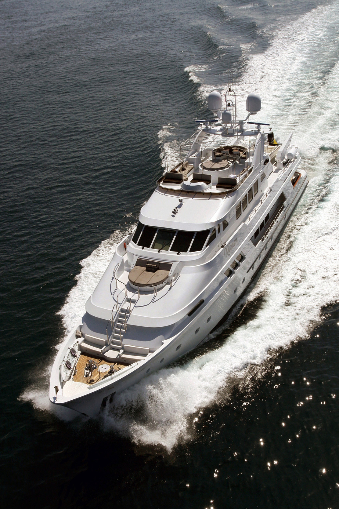 Karen-Lynn-Interior-Design-Yacht-Xilonen_1.jpg