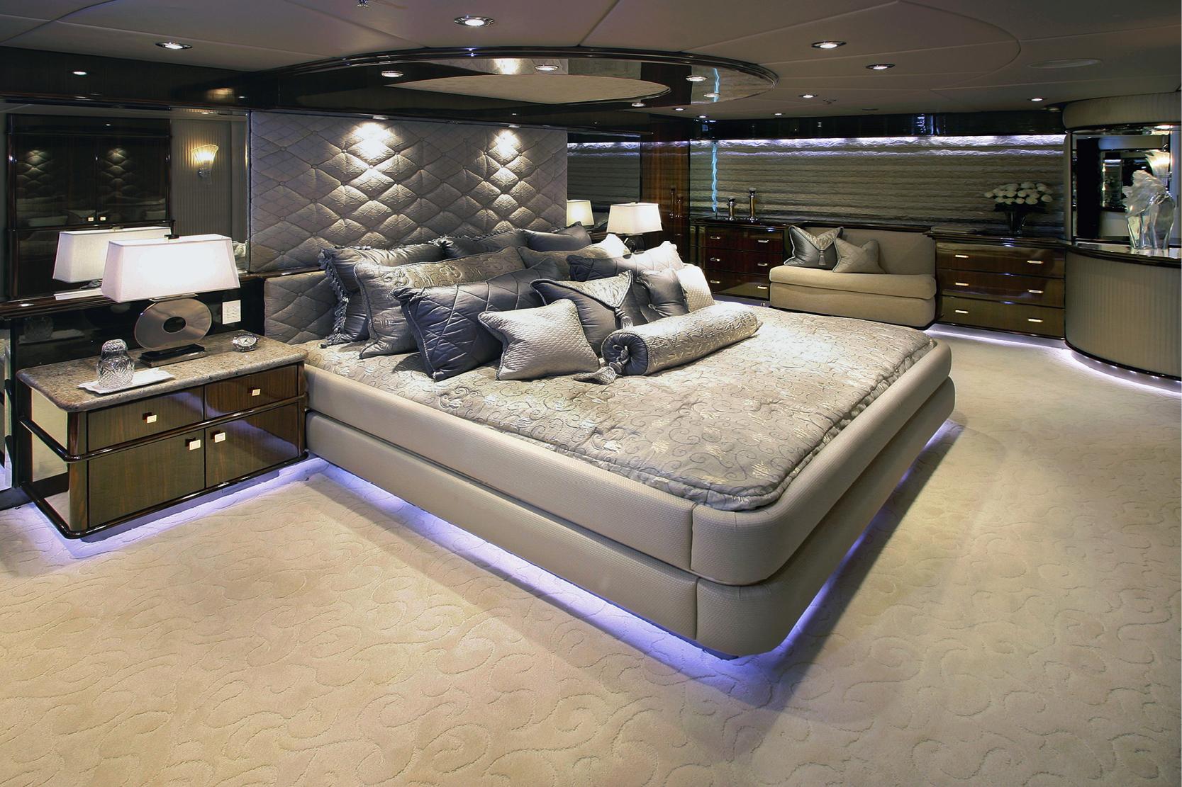 Karen-Lynn-Interior-Design-Yacht-Xilonen_7.jpg