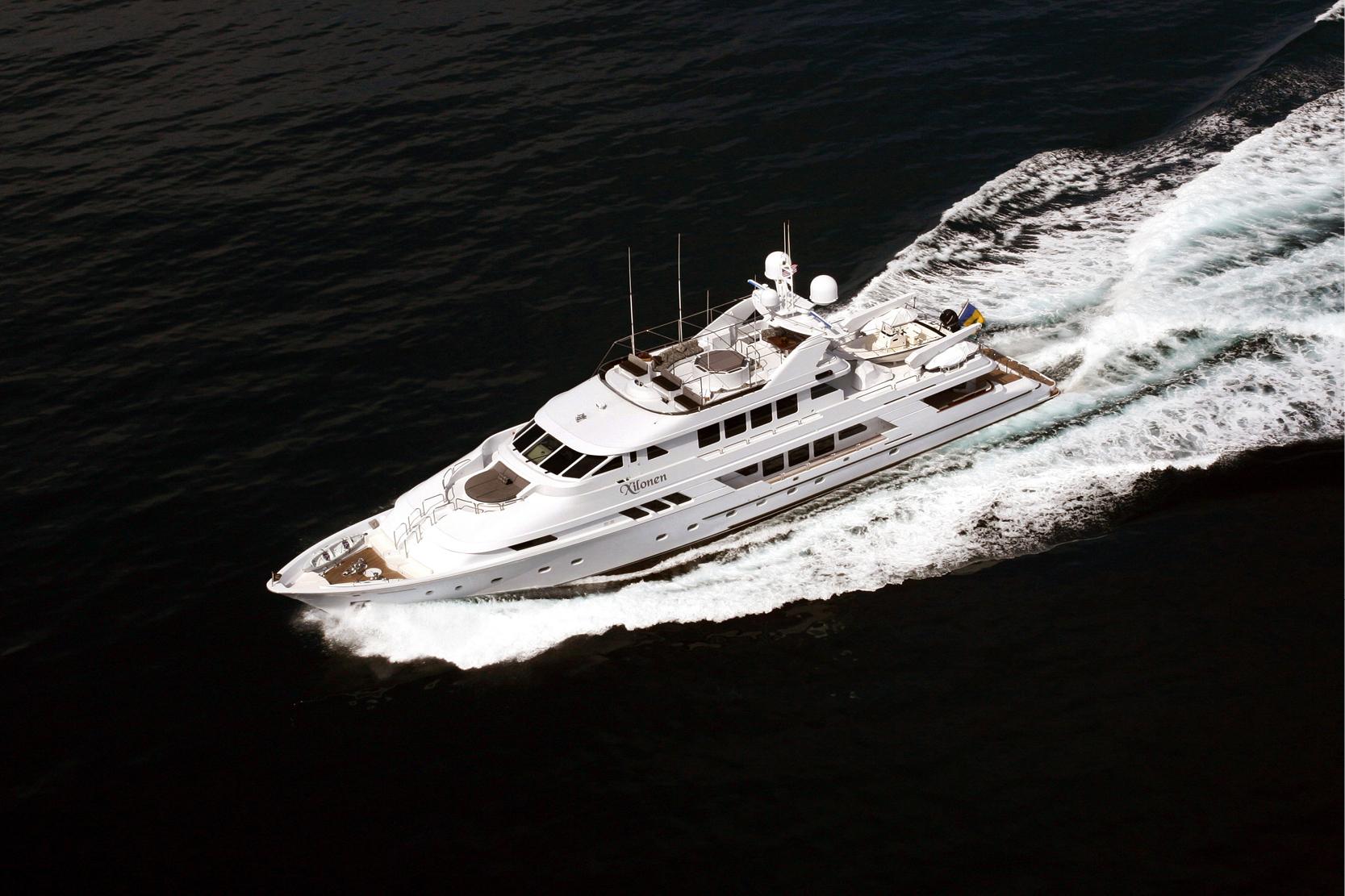 Karen-Lynn-Interior-Design-Yacht-Xilonen_28.jpg