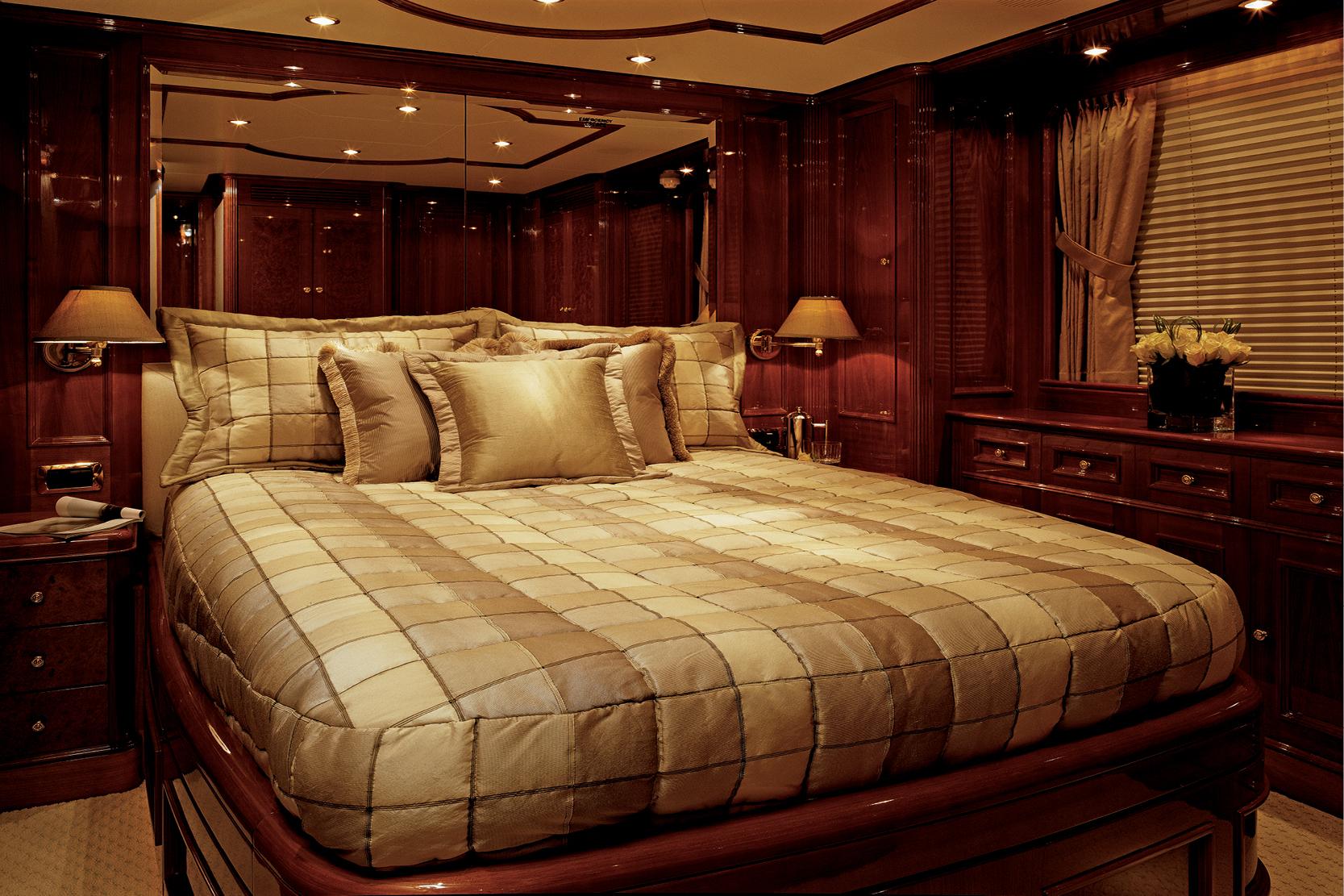 Karen-Lynn-Interior-Design-Yacht-Distraction_3.jpg