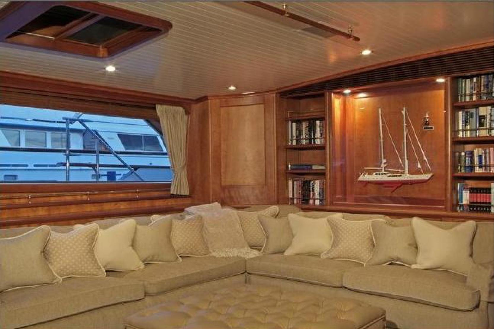 Karen-Lynn-Interior-Design-Yacht-Kaori_3.jpg