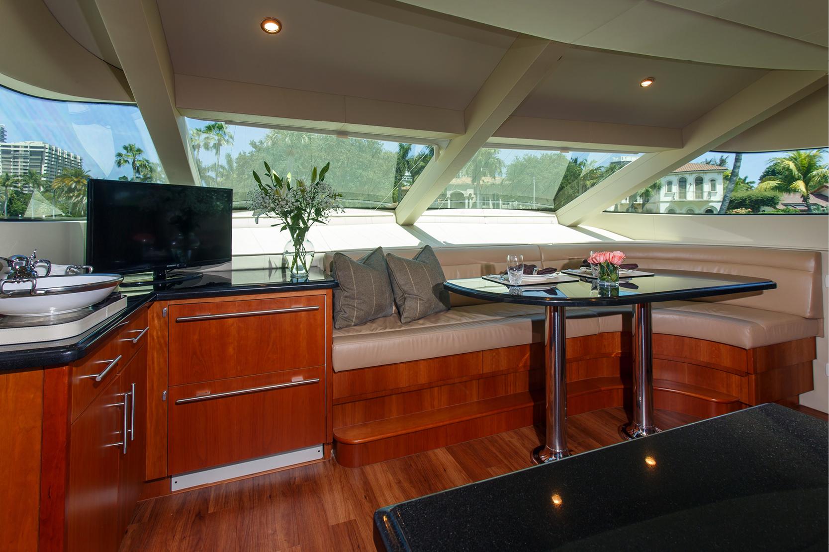 Karen-Lynn-Interior-Design-Yacht-Elmiran_6.jpg