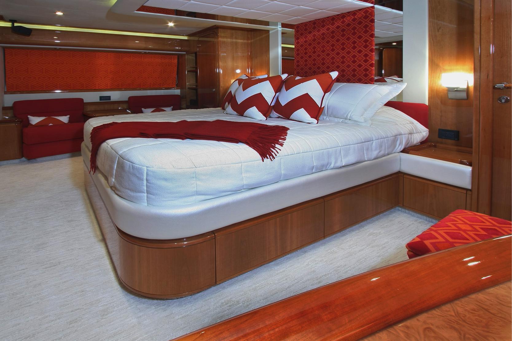 Karen-Lynn-Interior-Design-Yacht-Sioux_6.jpg