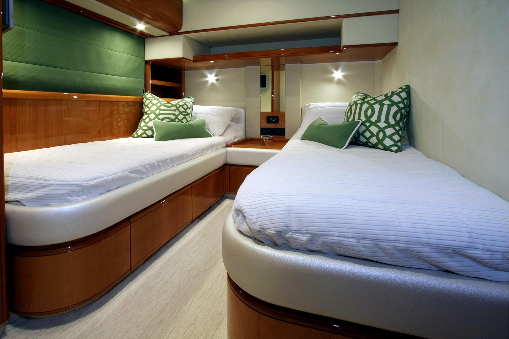 Karen-Lynn-Interior-Design-Yacht-Sioux_12.jpg