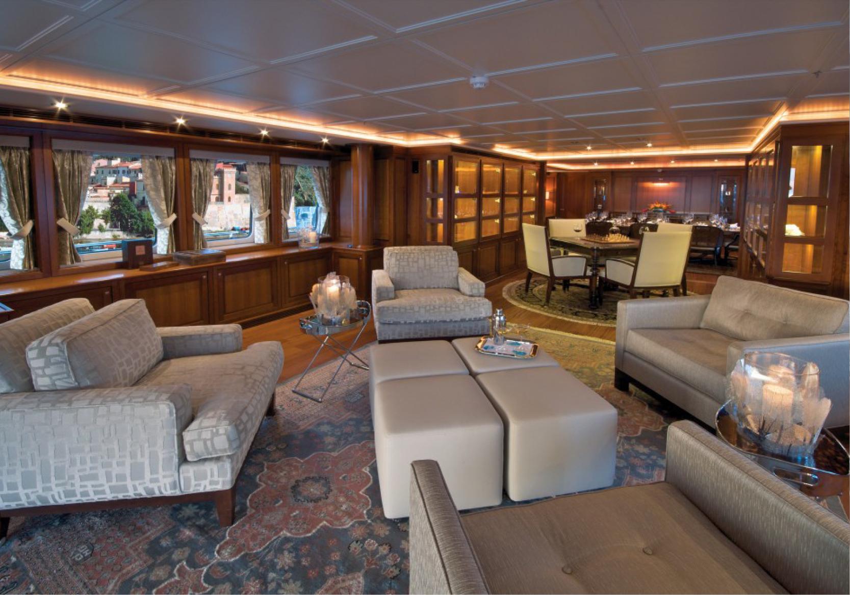 Karen-Lynn-Interior-Design-Yacht-Sea-Dweller-3.jpg